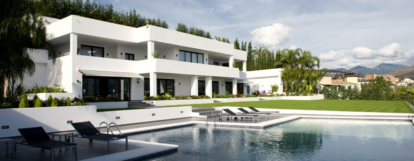 Stunning newly built Villa or sale in Las Brisas, Nueva Andalucia