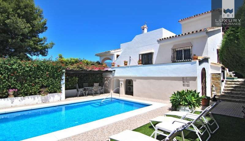 Family villa for Sale, with sea views in a great location in Marbella