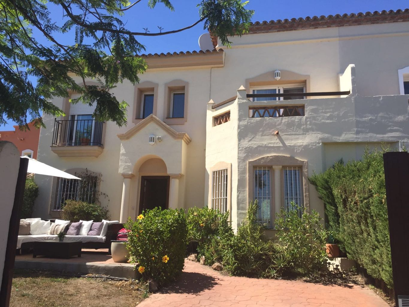 Beautiful townhouse for long term rental in Cancelada, just off the new Golden Mile