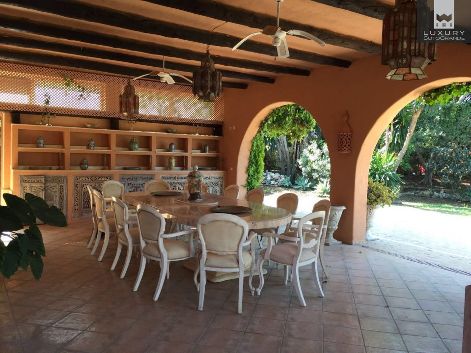 Luxurious 8 bedroom villa for rent on the Golden Mile, Marbella