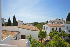 Excellent south facing two bedroom penthouse, located on the heart of the Golden Mile, Marbella for Sale