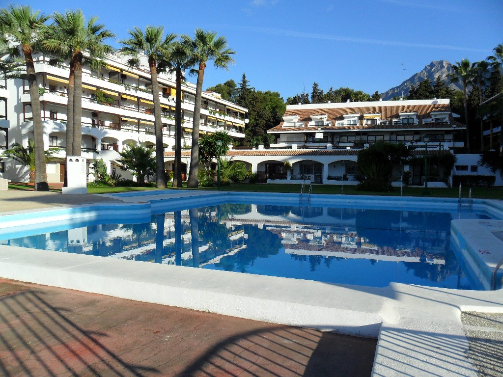 3 Bedroom Apartment for Sale in Marbella, fantastic position on the Golden Mile