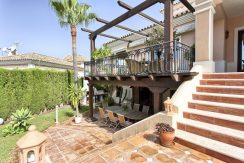 Stylish, Spacious and very Private 5 Bed Villa, Close to the Sea in Marbella for Sale