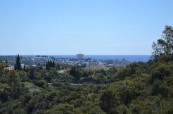 Opportunity, Beautiful 2 Bed Apartment in Puerto del Almendro, Benahavís, Marbella