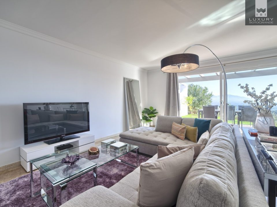 Brand New 2 Bed Apartment with amazing Sea and Coastal Views in Marbella For Sale