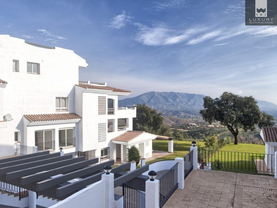 Brand New Penthouse with amazing Sea and Coastal Views in Marbella For Sale