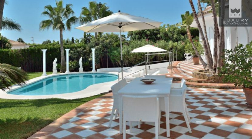 Villa For sale in Nagüeles, Marbella, Málaga, Spain