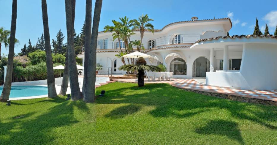 Stylish villa in Nagueles in perfect condition and newly decorated.