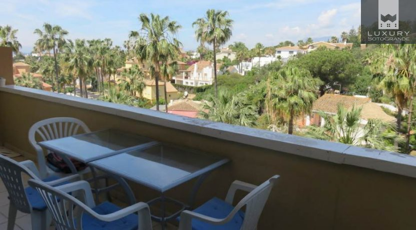 Amazing 3-bedroom apartment close to the beach