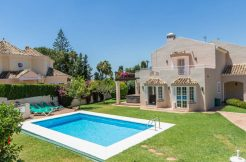 Wonderful 5-bedroom villa in the heart of Elviria