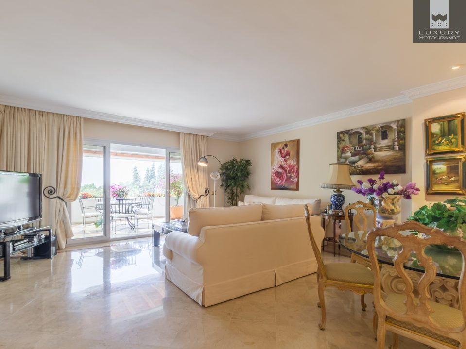 Excellent three bedrooms southwest apartment in Monte Paraiso, Golden Mile