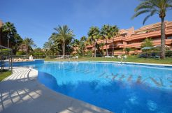Fantastic 3 bedroom south facing duplex penthouse in the gated community in Marbella