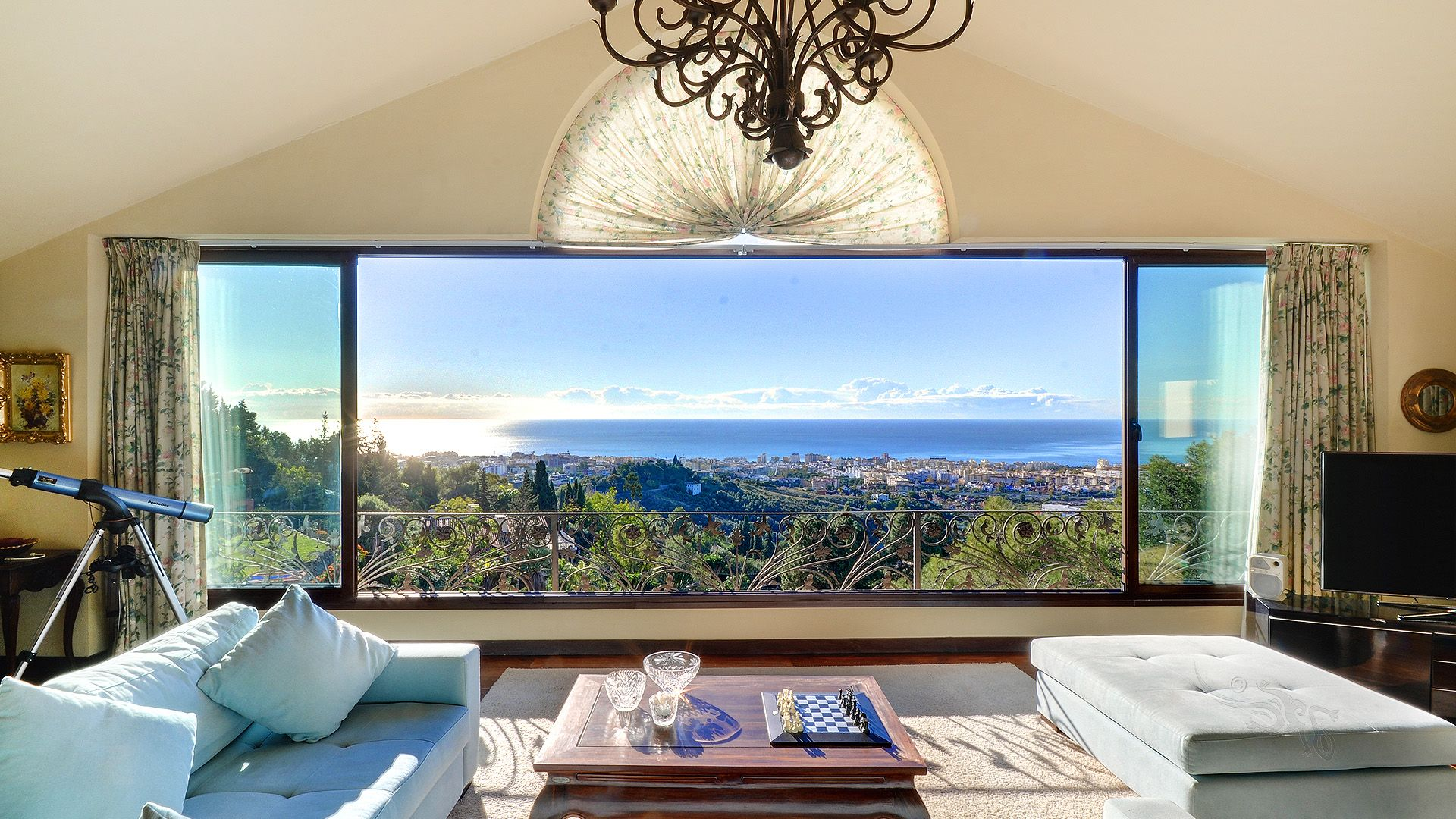 Luxury Family Villa With Spectacular Sea Views for Sale in Marbella
